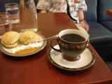 ブレンドコーヒーとスコーン