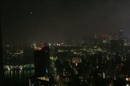 部屋から見た夜景~手前は勝どき橋