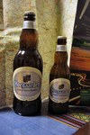 Hoegaarden white beer 左750ml 右330ml