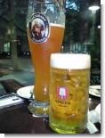右SPATENビール1リットル 左はフランツィスカーナ2リットル